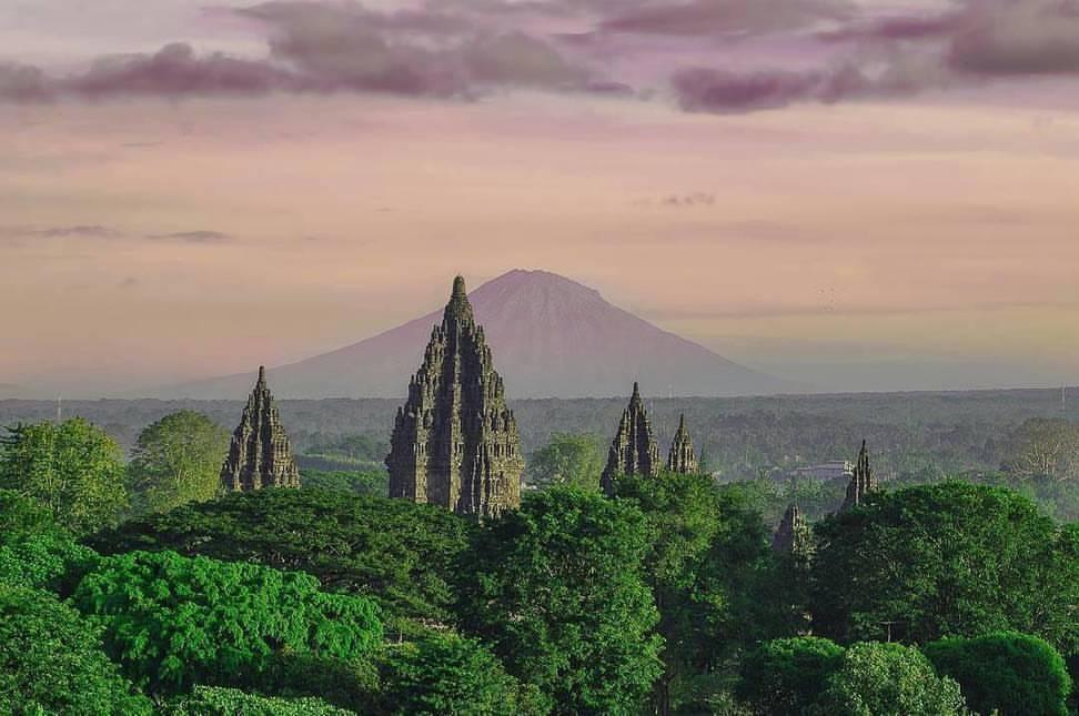 image of merapi mountain and prambanan yogyakarta